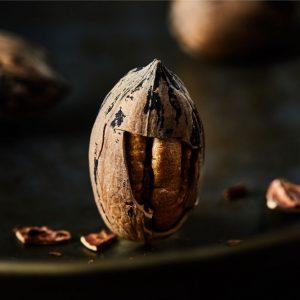 אגוזים טבעיים